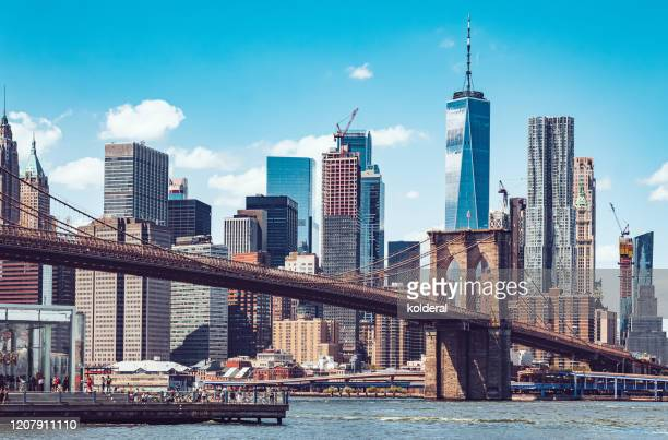 lower manhattan and brooklyn bridge - new york state stock pictures, royalty-free photos & images