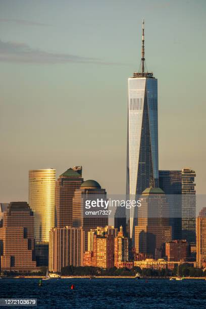lower manhattan and the freedom tower - new york harbour stock pictures, royalty-free photos & images