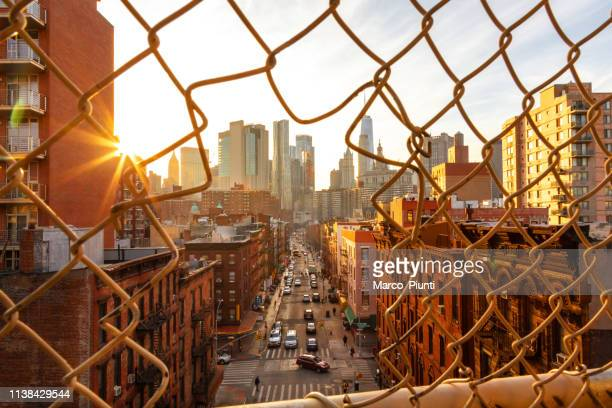 lower manhattan cityscape - lower east side manhattan stock pictures, royalty-free photos & images