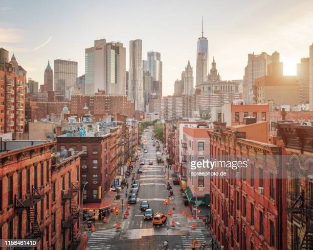 lower manhattan cityscape - canal street manhattan stock pictures, royalty-free photos & images