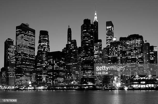 Untere Skyline von Manhattan in New York City schwarz und weiß