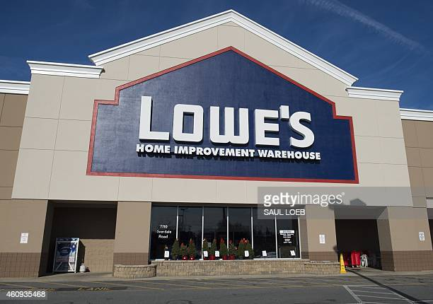 A Lowe's hardware store is seen in New Carrollton Maryland December 31 2014 AFP PHOTO / SAUL LOEB