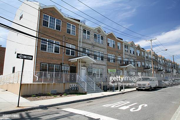 low-income rowhouses in the rockaways, queens, new york city - queens new york city stock pictures, royalty-free photos & images