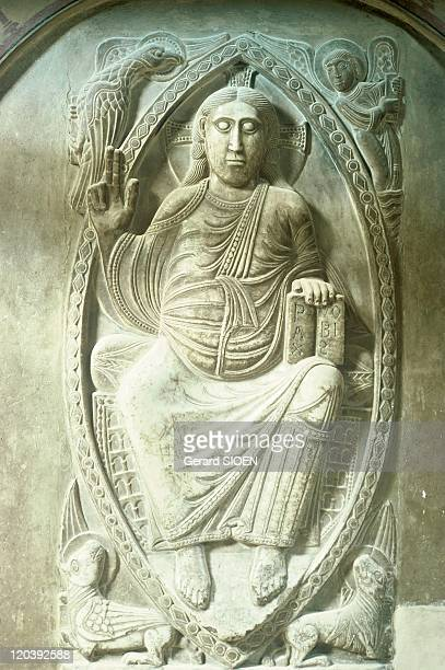 Low-relief, basilic Saint-Sernin, Toulouse, Haute-Garonne, France - Christ in Majesty of ambulatory. This Christ is sclupted in low relief on marble....