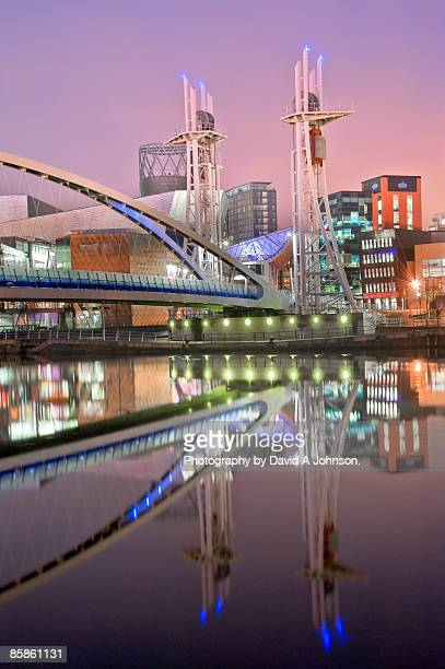 lowry arts centre and bridge - salford stock pictures, royalty-free photos & images