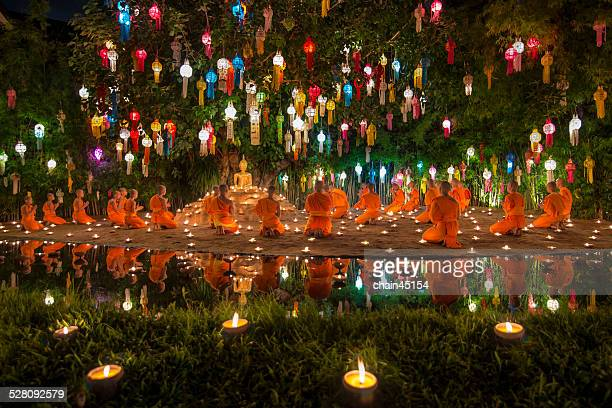 loy kratong festival at chiang mai, thailand - 僧 ストックフォトと画像