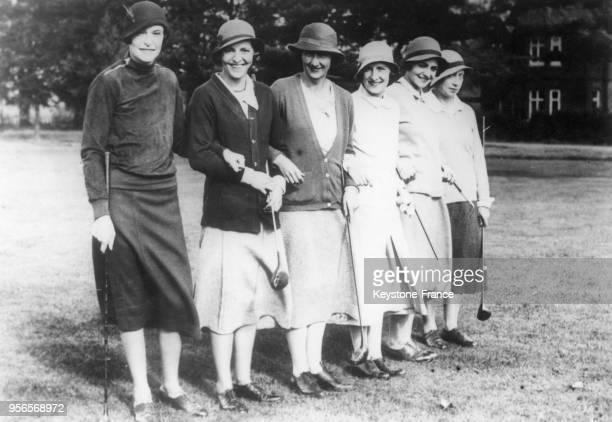 Léquipe de France de golf Dames avec madame Aublin Janine GaveauMunier madame Waddel Simone Thion de la Chaume Barbara Vagliano et Nicole Décugis...