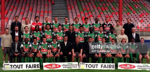 l'équipe du Club sportif SedanArdennes pose le 28 juillet 2000 à Sedan la veille de la première journée du Championnat de France de football de 1ere...