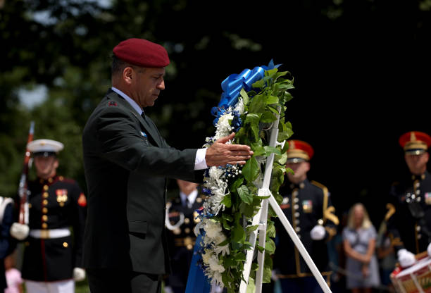 VA: Israeli Chief Of The General Staff Kochavi Visits Tomb Of The Unknown Soldier