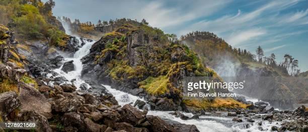 låtefoss waterfall near odda in norway - finn bjurvoll bildbanksfoton och bilder