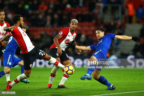 LtoR Ryan Bertrand Mario Lemina of Southampton takes on Shinji Okazaki during the Premier League match between Southampton and Leicester City at St...