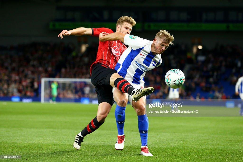 Brighton & Hove Albion v Southampton - Carabao Cup Second Round : Foto jornalística