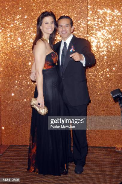 Lu Parker and Mayor Antonio Villaraigosa attend HBO Golden Globes After Party at Circa 55 Restaurant on January 17 2010 in Beverly Hills California