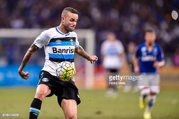 Luan of Gremio a match between Cruzeiro and Gremio as part of Copa do Brasil SemiFinals 2016 at at Mineirao stadium on October 26 2016 in Belo...