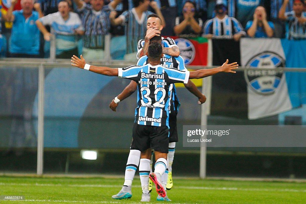 Luan of Gremio celebrates their second goal during the match Gremio v  Internacional as part of 3989554114e3c