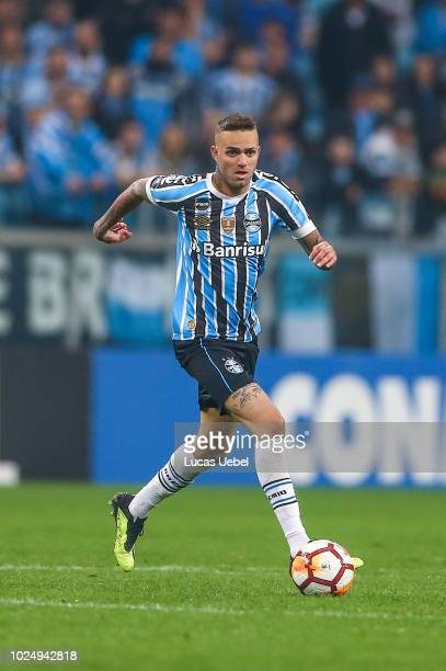 Luan of Gremio during the match between Gremio and Estudiantes part of Copa Conmebol Libertadores 2018 at Arena do Gremio on August 28 in Porto...