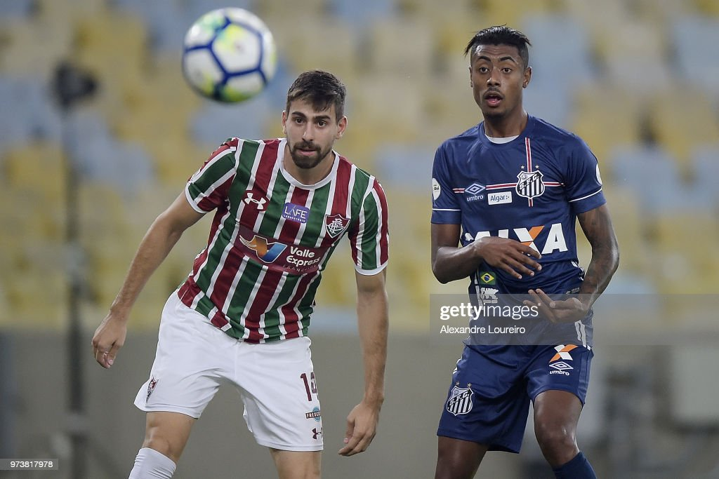 Luan Peres (L) of Fluminense struggles for the ball with Bruno Henriqueof Santos during the match between Fluminense and Santos as part of Brasileirao Series A 2018 at Maracana Stadium on June 13, 2018 in Rio de Janeiro, Brazil.