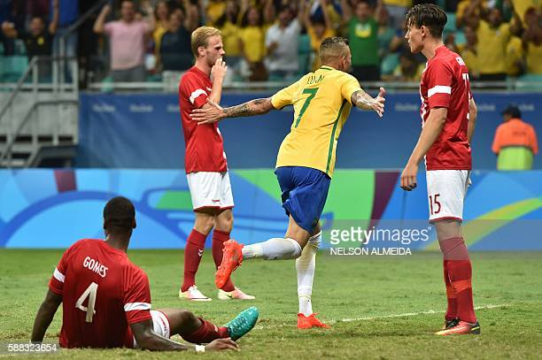 Luan Vieira of Brazil celebrates his goal scored against Denmark during the Rio 2016 Olympic Games mens first round Group A football match Brazil vs...