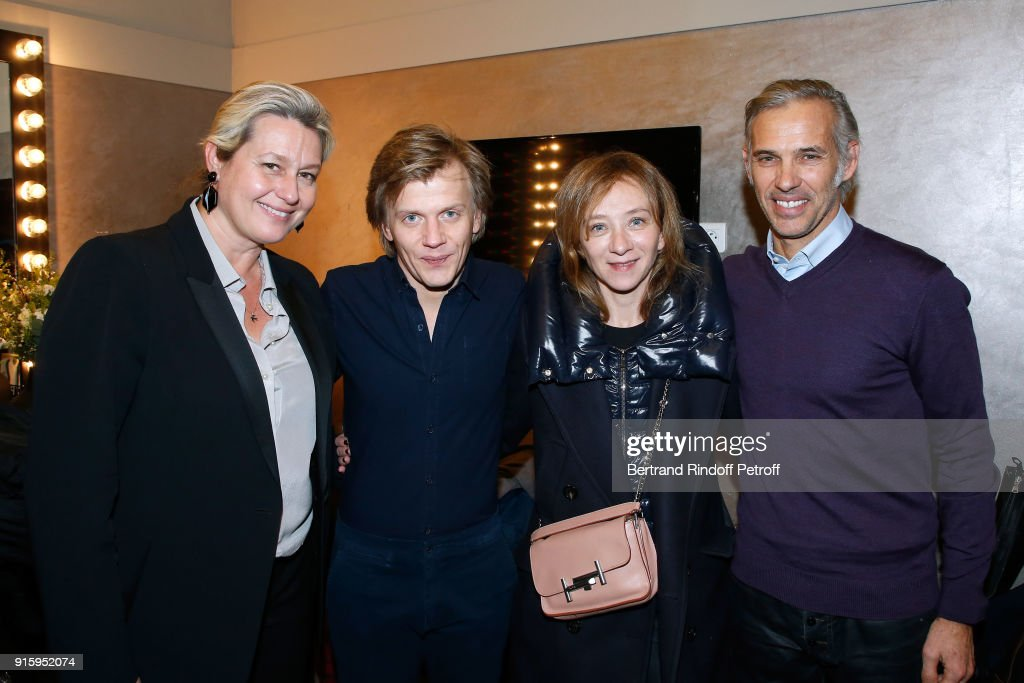 Luana Belmondo, Alex Lutz, Sylvie Testud and Paul Belmondo pose after the Alex Lutz One Man Show At L'Olympia on February 8, 2018 in Paris, France.