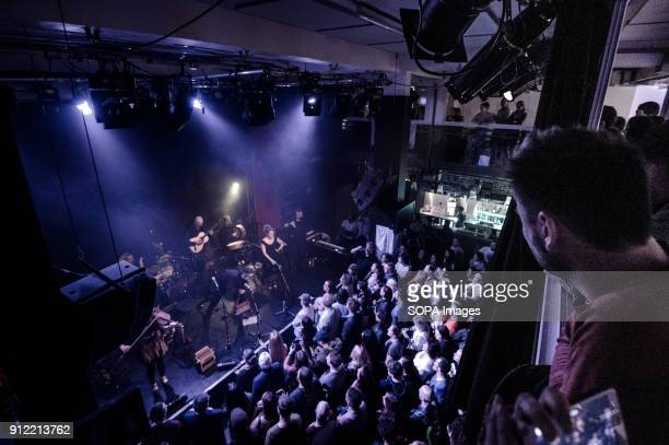 Luar Na Lubre during his first gig in London Luar na Lubre is a Spanish music band formed in 1986 they hosted their first gig in the UK in January...
