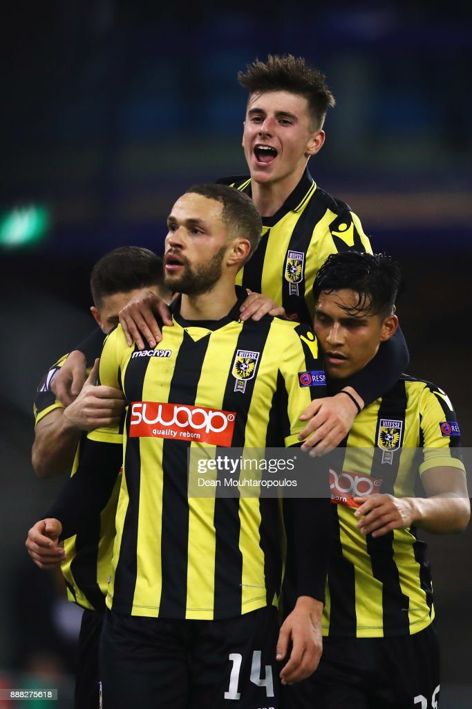 Luc Castaignos of Vitesse Arnhem celebrates scoring his teams first goal of the game in the final minutes with team mates during the UEFA Europa League group K match between Vitesse and OGC Nice at on December 7, 2017 in Arnhem, Netherlands.