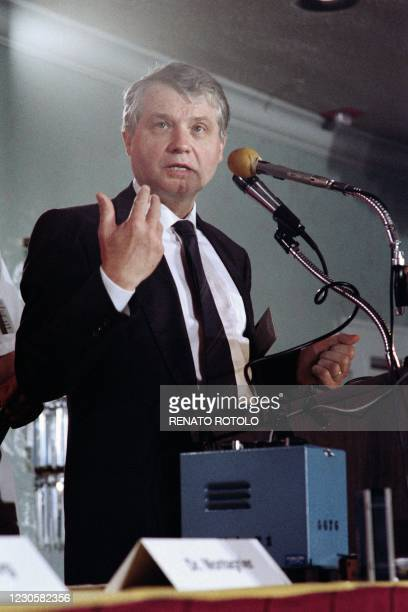 Luc Montagnier, French virologist of the Pasteur Institute in Paris, speaks during the III International Conference on AIDS, concerning a new Aids...