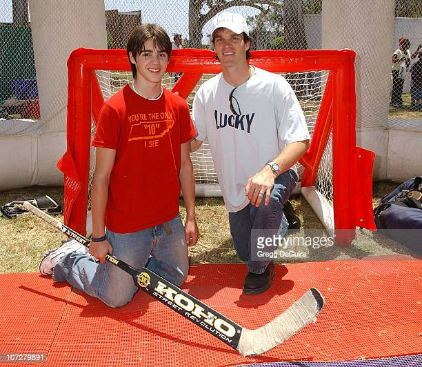 Luc Robitaille and son Steven at the 2004 Target A Time for Heroes Celebrity Carnival to benefit the Elizabeth Glaser Pediatric AIDS Foundation