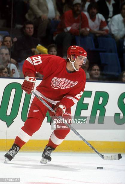 Luc Robitaille of the Detroit Red Wings skates with the puck during an NHL game against the New York Islanders on October 13 2001 at the Nassau...
