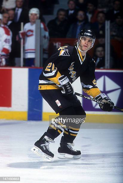Luc Robitaille of the Pittsburgh Penguins skates on the ice during an NHL game against the Montreal Canadiens on March 15, 1995 at the Montreal Forum...