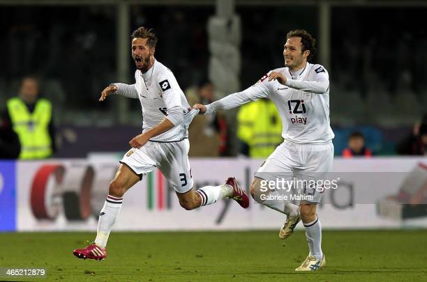 Luca Antonini of Genoa CFC celebrates after scoring their second goal during the Serie A match between ACF Fiorentina and Genoa CFC at Stadio Artemio...
