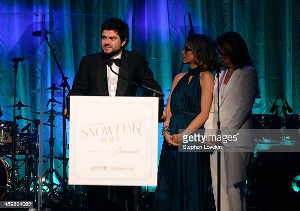 Luca Dotti Tea Leoni and Sherrie Westin speak onstage at the Tenth Annual UNICEF Snowflake Ball at Cipriani Wall Stree on December 2 2014 in New York...