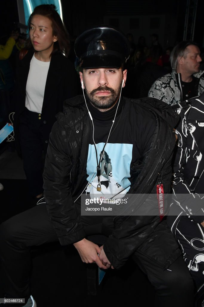 Moschino - Front Row - Milan Fashion Week Fall/Winter 2018/19 : Photo d'actualité