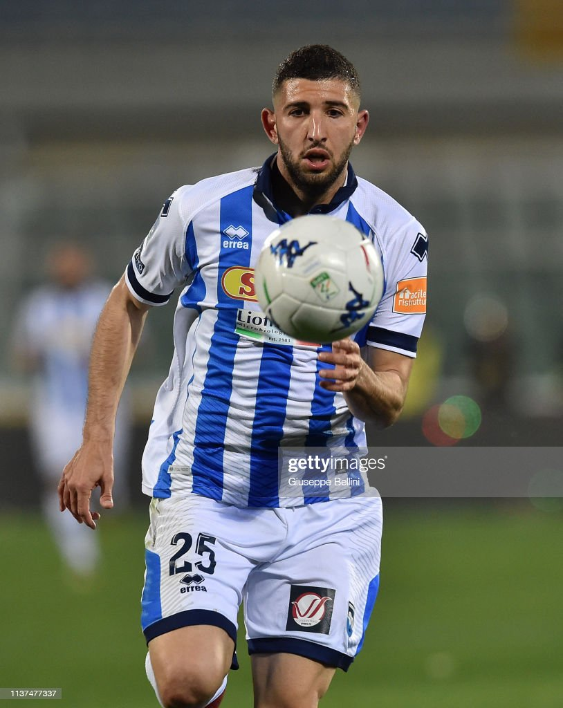 Luca Grecco of Pescara Calcio in action during the Serie B match... News  Photo - Getty Images
