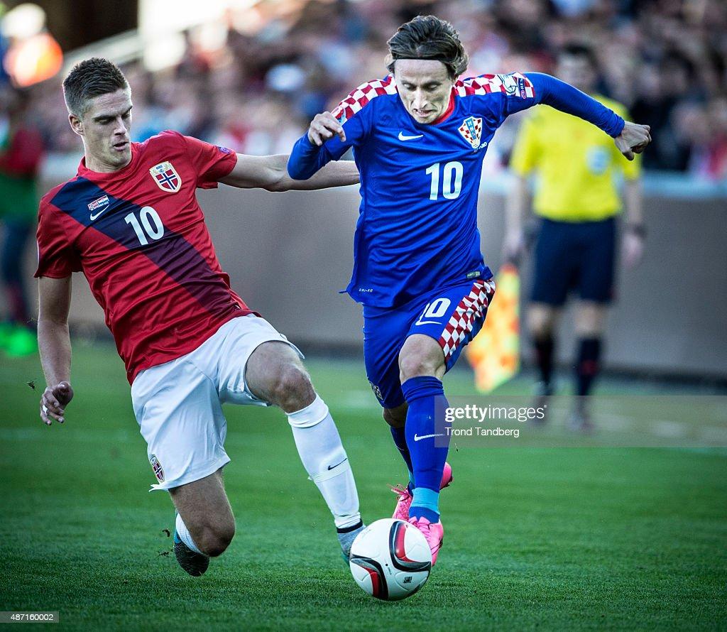 Luca Modric of Croatia, Markus Henriksen of Norway during the EURO 2016 Qualifier between Norway and Croatia at the Ullevaal Stadion on September 06, 2015 in Oslo, Norway.