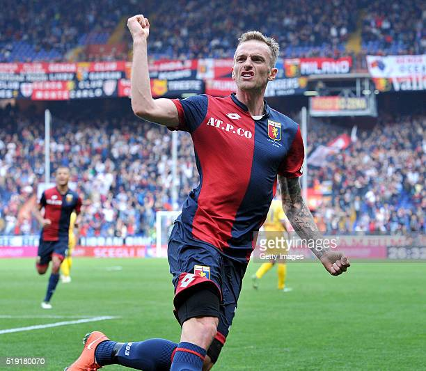 Luca Rigoni of Genoa celebrates after scoring a goal during the Serie A match between Genoa CFC and Frosinone Calcio at Stadio Luigi Ferraris on...