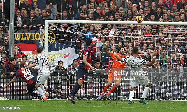 Luca Rigoni of Genoa CFC scores his goal during the Serie A match between Genoa CFC and Juventus FC at Stadio Luigi Ferraris on November 27 2016 in...
