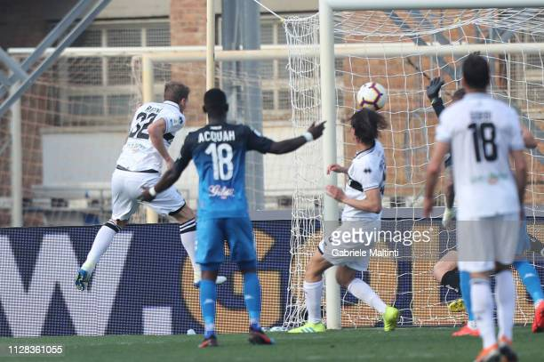 Luca Rigoni of Parma Calcio scores a goal during the Serie A match between Empoli and Parma Calcio at Stadio Carlo Castellani on March 2 2019 in...
