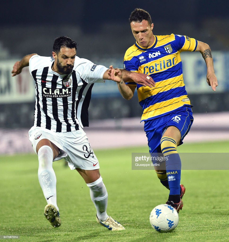 Luca Siligardi' of Parma Calcio and Emanuele Padella of Ascoli Pichhio in action during the match between Ascoli Picchio and Parma Calcio at Stadio Cino e Lillo Del Duca on April 16, 2018 in Ascoli Piceno, Italy.