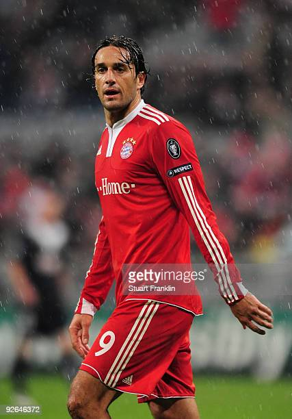 Luca Toni of Bayern reacts during the UEFA Champions League Group A match between FC Bayern Muenchen and Bordeaux at Allianz Arena on November 3 2009...