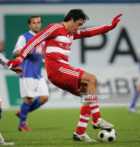 Luca Toni of Munich in action during the Bundesliga match between Hansa Rostock and Bayern Munich at the DKB Arena on February 1, 2008 in Rostock,...