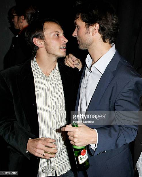 Luca Verhoeven and brother director Simon Verhoeven attend the premiere of 'Maennerherzen' at CineMaxx at Potsdam Place on September 30 2009 in...
