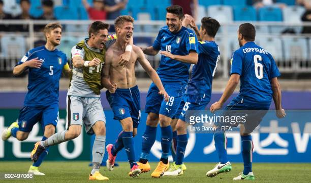 Luca Vido of Italy celebrates after scoring the winning goal during the FIFA U20 World Cup Korea Republic 2017 Quarter Final match between Italy and...