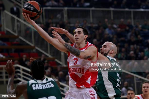 Luca Vildoza #3 of Baskonia Vitoria Gasteiz competes with Nick Calathes #33 of Panathinaikos Superfoods Athens during the 2017/2018 Turkish Airlines...