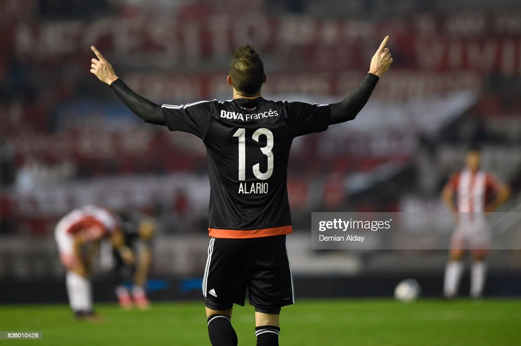 Lucas Alario of River Plate celebrates after scoring the first goal of his team during a match between River Plate and Instituto as part of round 16 of Copa Argentina 2017 at Jose Maria Minella Stadium on August 20, 2017 in Mar del Plata, Argentina.