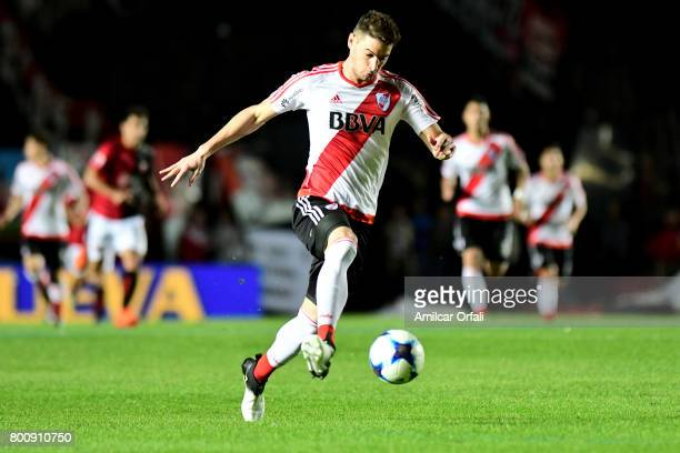 Lucas Alario of River Plate drives the ball during a match between Colon and River Plate as part of Torneo Primera Division 2016/17 at Brigadier...