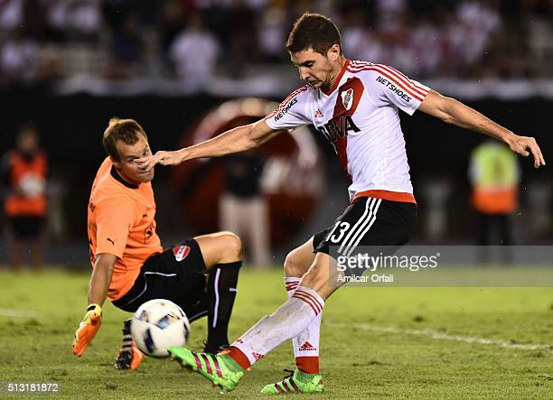Lucas Alario of River Plate kicks to score during a match between River Plate and Independiente as part of fifth round of Torneo Transicion 2016 at...