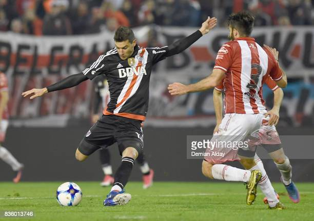 Lucas Alario of River Plate shoots to score the first goal of his team during a match between River Plate and Instituto as part of round 16 of Copa...