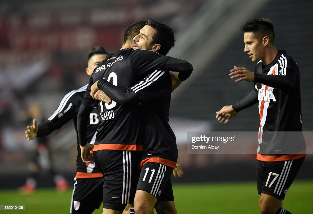 Lucas Arario of River Plate celebrates with teammates after scoring the first goal of his team during a match between River Plate and Instituto as part of round 16 of Copa Argentina 2017 at Jose Maria Minella Stadium on August 20, 2017 in Mar del Plata, Argentina.