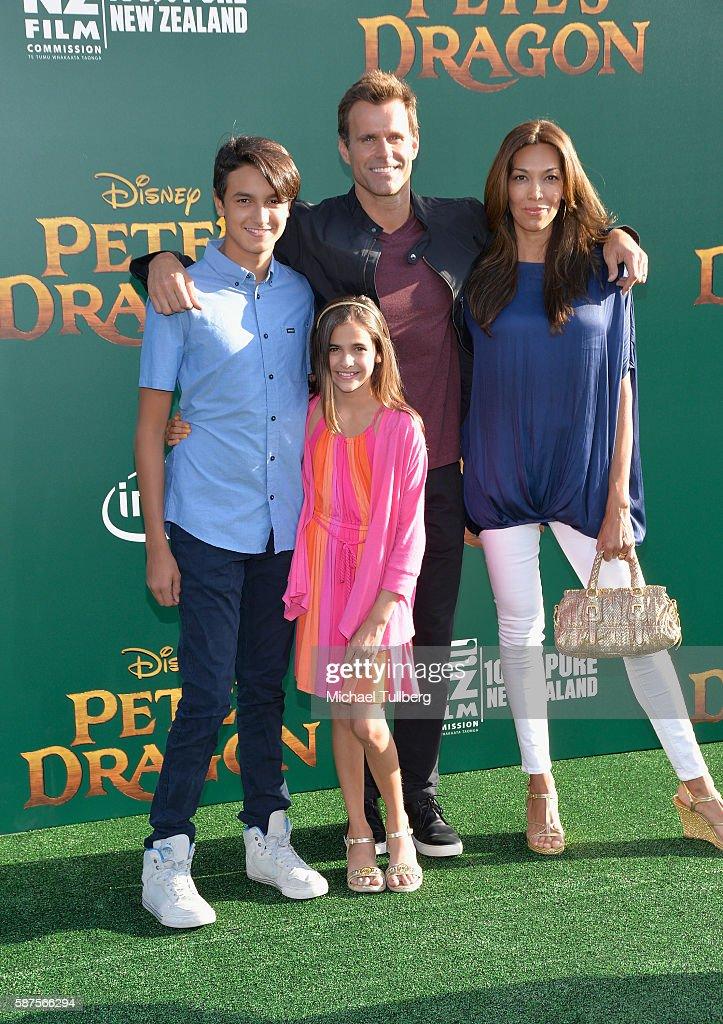 """Premiere Of Disney's """"Pete's Dragon"""" - Arrivals : News Photo"""