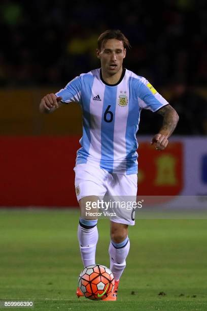 Lucas Biglia of Argentina drives the ball during a match between Ecuador and Argentina as part of FIFA 2018 World Cup Qualifiers at Olimpico...